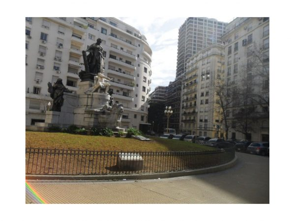 ALQUILER AMOBLADO - Piso al frente - Muy luminoso - Recoleta - Capital Federal -